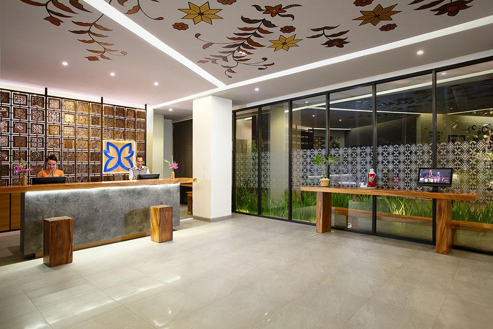 Lobby Batiqa Hotel Palembang