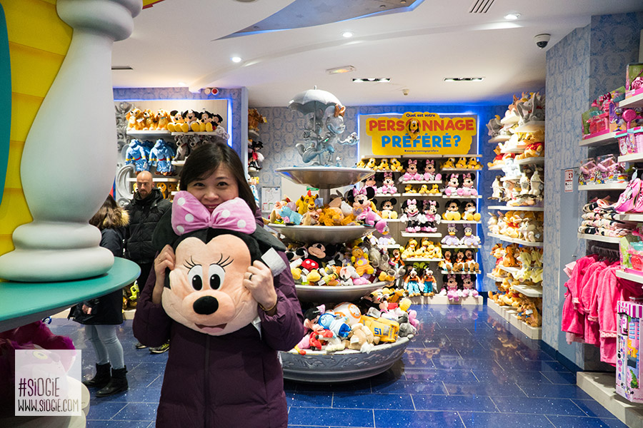 Disney Store Paris