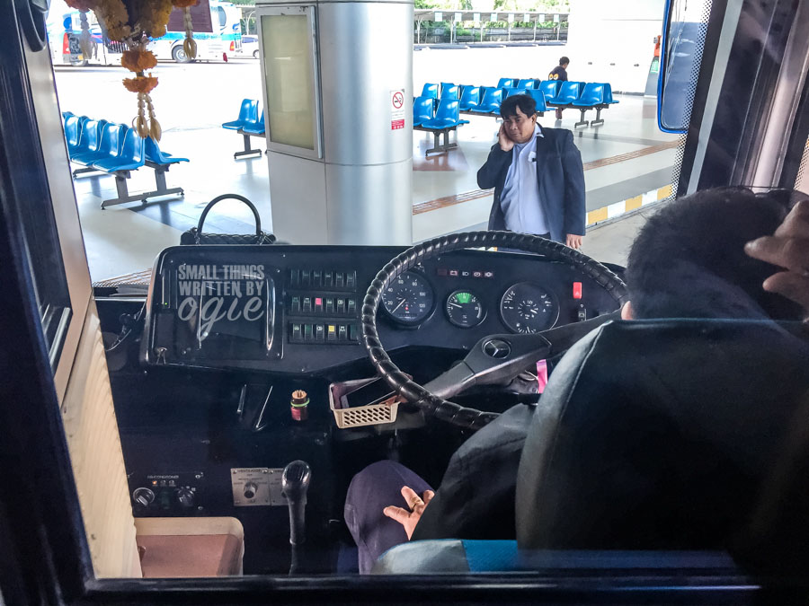 Bus Menuju Hua Hin Santorini Park Bangkok